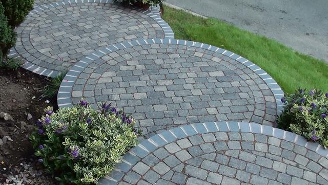 Circular block paving steps and garden landscaping path in for Circular garden designs
