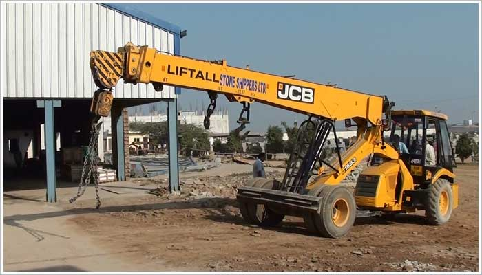 These JCB lift all cranes are a very versatile machines, capable of carrying out a multitude of tasks and can carry in excess of 12 tons whilst still maintaining stability